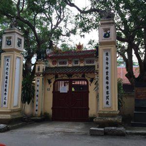Xây nhà ở gần đình chùa, miếu mạo có hại gì không?